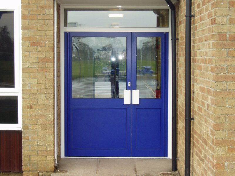 Aluminium Doors: Anti Finger Trap Aluminium Doors