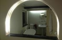 shaped-bathroom-mirror-recess