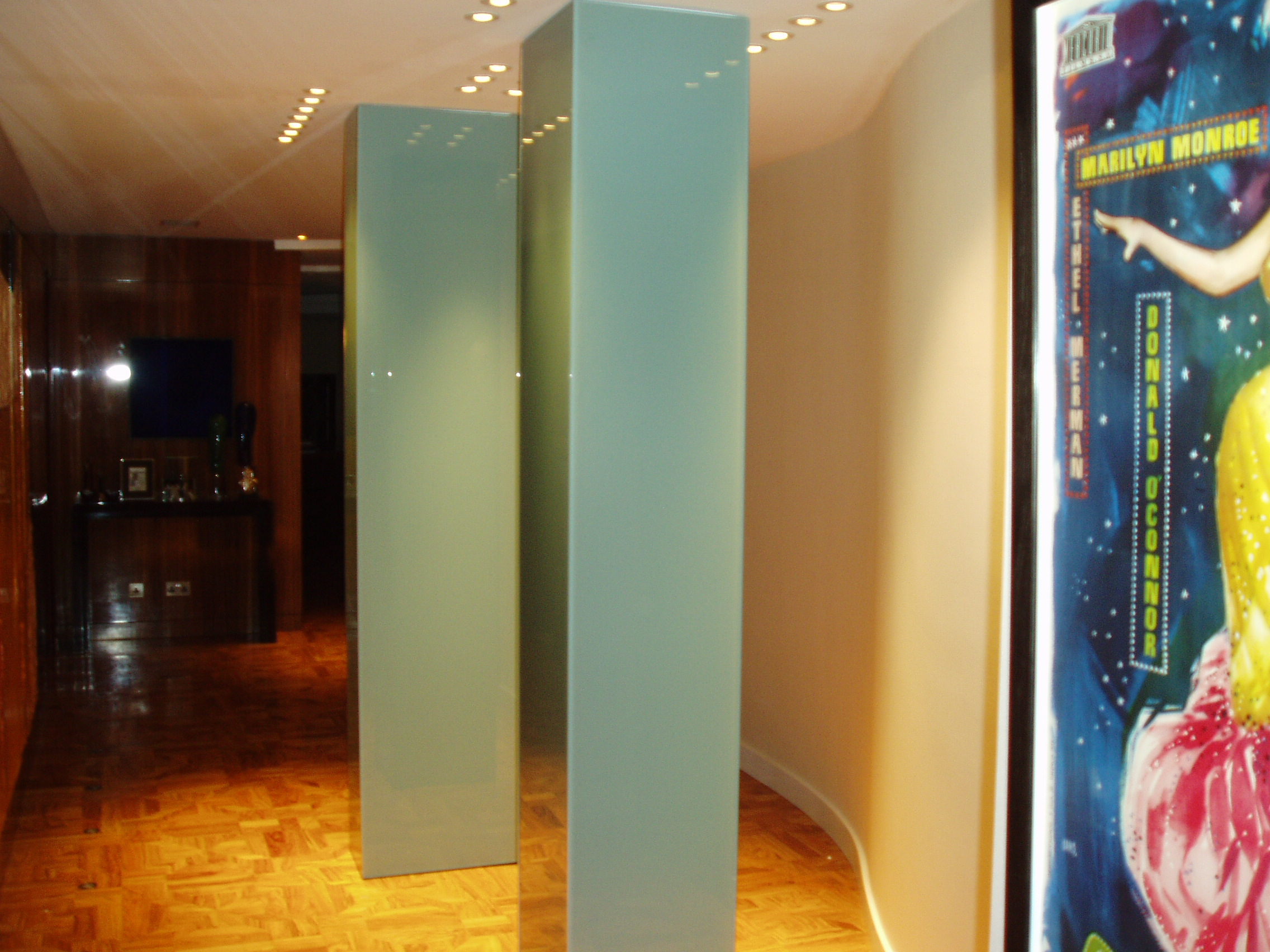 Splashbacks Amp Painted Glass Column Casings Glass
