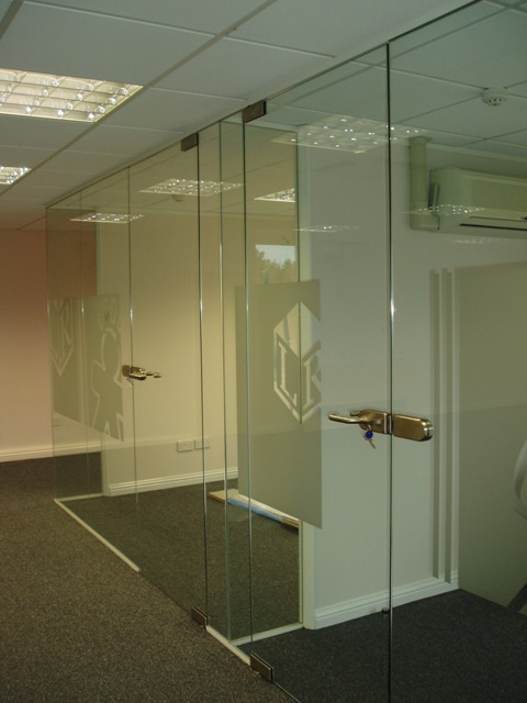 Frameless Glass Partitions And Doors Ggsl