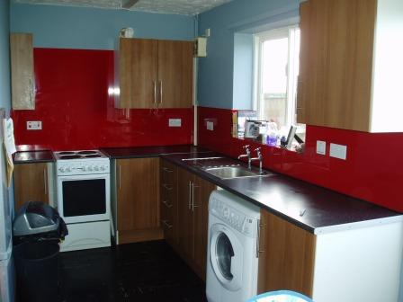 Red kitchen splash back Holt